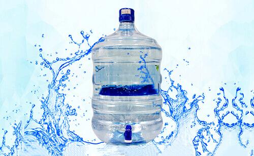 Nước uống đòng bình luôn tiện lợi, gọn gàng, gọi là có nước ngay