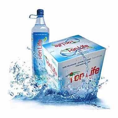 Thùng 12 chai nướcuống kiềmIon Life dung tích1.5L